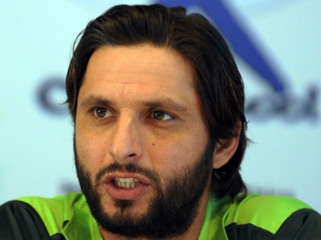 cricket-pakistan-s-afridi-to-quit-all-cricket-next-year-1430412560-9930