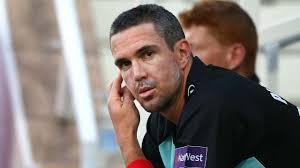 Kevin pietersen will play with pakistani players