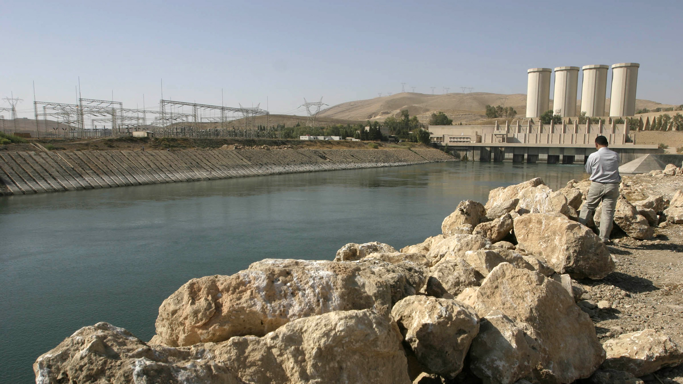 Mosul Dam could collapse a year after