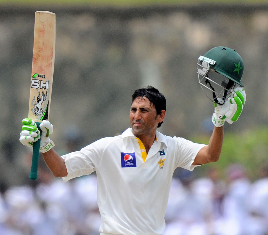 Younis Khan's bat sold in Rs20 lac