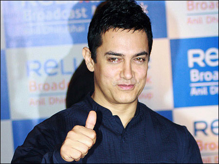 Aamir Khan to celebrate birthday with mom