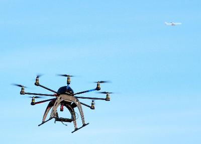 Drone-catching hexacopter