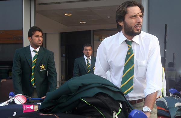 Govt. to decide on team's departure: PCB   Sports
