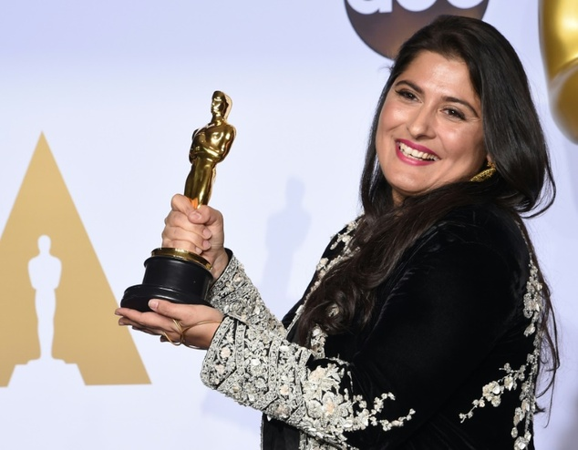 Sharmeen Obaid-Chinoy dazzles in black at the Oscars