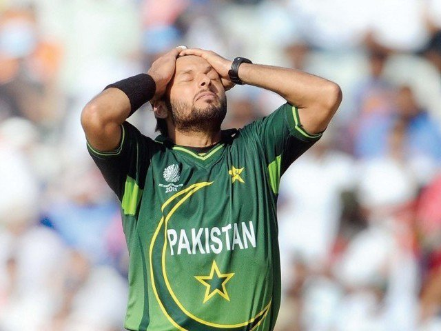 Skipper Shahid Afridi sits out practice session due to fever -
