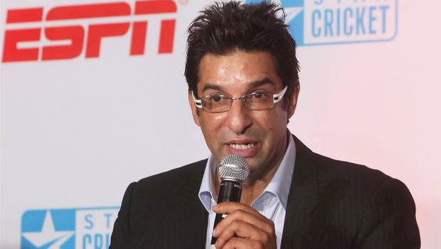 Wasim Akram advises Afridi to concentrate on cricket